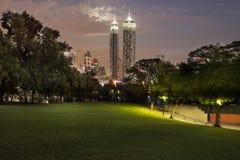 Sikt av Dubai horisont Royaltyfria Bilder