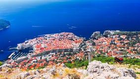 Sikt av Dubrovnik från observationsplattformen av kabelbilen Royaltyfri Fotografi