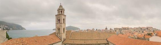 Sikt av Dubrovnik från stadsväggarna Royaltyfri Foto