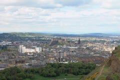 Sikt av Edinburg från Arthurs Seat i Skottland, UK Royaltyfri Bild