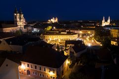 Sikt av Eger från slotten på natten, Ungern Royaltyfria Bilder