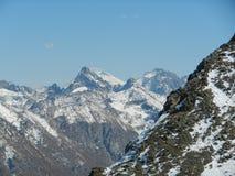 Sikt av Elbrus från Dombay arkivbilder