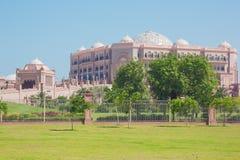 Sikt av emiratslotthotellet Royaltyfria Foton
