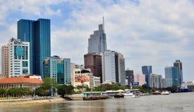 Sikt av en affärsfjärdedel av den Ho Chi Minh staden Arkivbilder