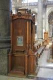 Sikt av en biktstol royaltyfri foto