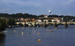 Sikt av en gammal town av Prague Arkivbilder
