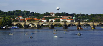 Sikt av en gammal town av Prague Royaltyfria Bilder