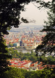 Sikt av en gammal town av Prague Arkivfoton