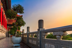 Sikt av en kinesisk tempel Arkivfoto