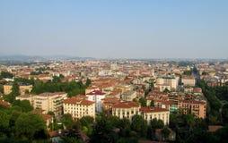Sikt av en liten italiensk stad Fotografering för Bildbyråer