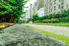 Sikt av en lokal trädgård i Paris Royaltyfri Bild