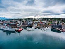 Sikt av en marina i Tromso, norr Norge Arkivbilder