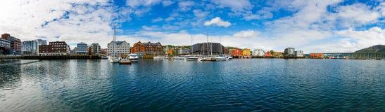 Sikt av en marina i Tromso, norr Norge Royaltyfri Fotografi