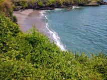 Sikt av en strand i bali, indonesia Royaltyfria Bilder