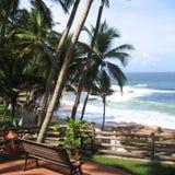 Sikt av en strand i Kovalam Royaltyfri Fotografi