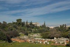 Sikt av en tempel i Aten arkivfoto