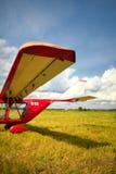 Sikt av en vinge av den ultralight nivån Arkivfoton
