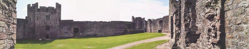 Sikt av en welsh slott Royaltyfria Bilder