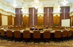 Sikt av ett rum av den rumänska slotten av parlamentet Arkivfoton