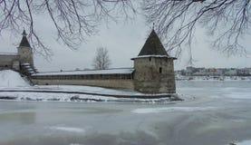Sikt av fästningen i vinter Arkivbild