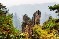 Sikt av fantastiska berg för Avatar för kvartssandstenpelare Arkivfoton