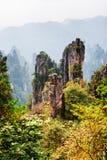 Sikt av fantastiska berg för Avatar för kvartssandstenpelare Royaltyfria Bilder