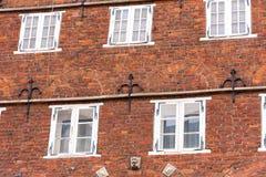 Sikt av fasaden av en gammal byggnad, Oldenburg, Tyskland Närbild Royaltyfria Bilder
