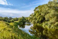 Sikt av floden Arkivfoton