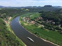 Sikt av floden Elbe från Bastei i schweizaren Sachsen i Tyskland Royaltyfri Fotografi