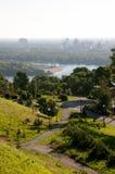 Sikt av floden från banken Dnieper i Kiev Arkivbild