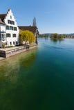 Sikt av floden i Stein am Rhein, Schweiz Royaltyfri Fotografi
