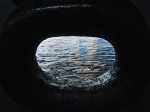 Sikt av floden Volga från färjan royaltyfri fotografi