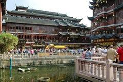 Sikt av gammalt stadsområde i Shanghai, Kina Arkivbilder