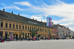 Sikt av gatan i den Novi Sad staden, Serbien Royaltyfri Fotografi