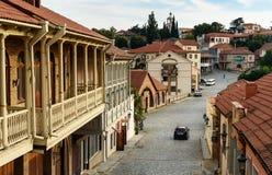 Sikt av gatan i den Signagi eller Sighnaghi staden georgia royaltyfri foto