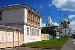 Sikt av gatan kolomna kremlin russia Arkivfoton