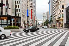 Sikt av gator och fyrkanter under dygnet, staden av Chiba, Japan royaltyfria bilder