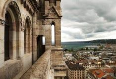 Sikt av Genève från domkyrkaSaint Pierre, Schweiz royaltyfri bild