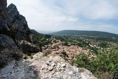 Sikt av Gordes, i Luberon, Provence, Frankrike, uppsättning av en film Arkivfoto