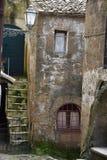 Sikt av gränden i den historiska mitten Arkivbild