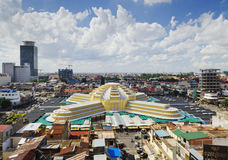 Sikt av gränsmärket för central marknad i den Phnom Penh staden Kambodja Royaltyfri Foto