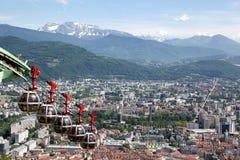 Sikt av Grenoble från fästningen av bastillen arkivfoto