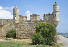 Sikt av hörnbastionen av fästningYeni-grönkålen crimea royaltyfri fotografi