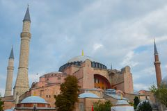 Sikt av Hagia Sophia, kristen patriark- basilika, imperialistisk moské och nu ett museum Istanbul Turkiet royaltyfria foton