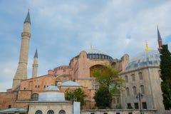 Sikt av Hagia Sophia, kristen patriark- basilika, imperialistisk moské och nu ett museum Istanbul Turkiet royaltyfri bild