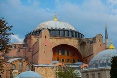 Sikt av Hagia Sophia, kristen patriark- basilika, imperialistisk moské och nu ett museum Istanbul Turkiet arkivfoton
