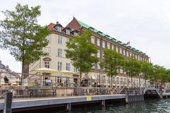 Sikt av hamnen i Köpenhamn kanal i centret, Danmark arkivbilder