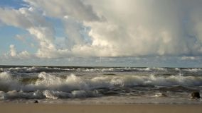 Sikt av havet, vågor stock video