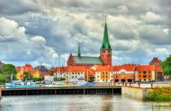 Sikt av helgonet Olaf Church i Helsingor, Danmark Royaltyfria Foton
