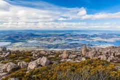 Sikt av Hobart från monteringsgummistöveln, Tasmanien Arkivfoto